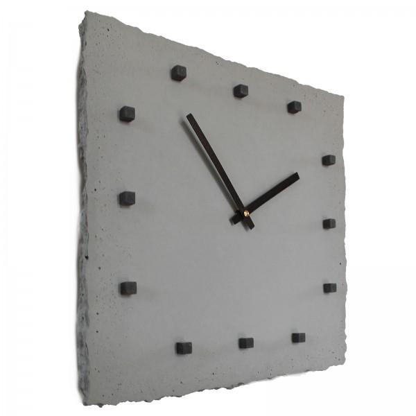 Beton-Wanduhr 'punktclock'